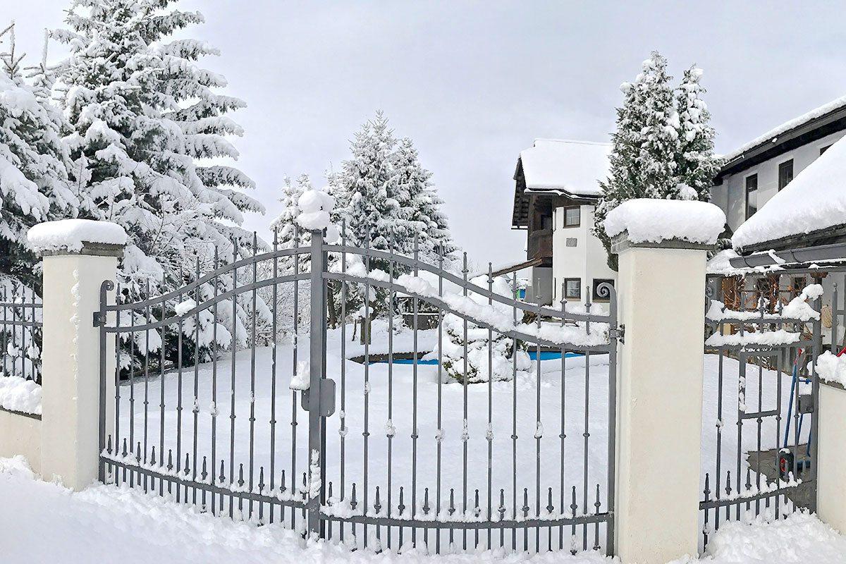 Außenanlage - Design Ferienhaus Berg Chalet Millstätter See